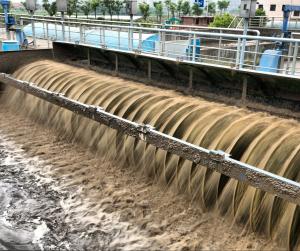 A víztisztító telepek nem tisztítják a vizet a megfelelő technológiával.